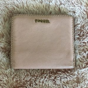 Pale pink Fossil wallet